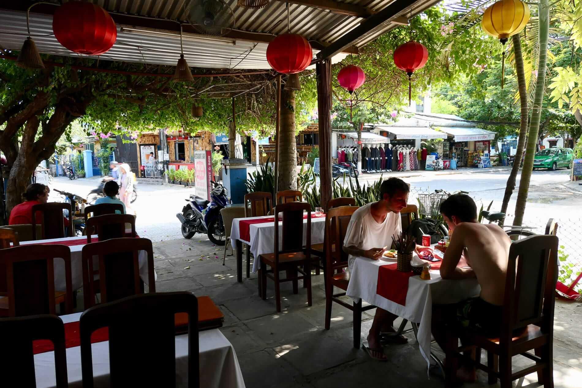 Cua Dai Street Restaurant