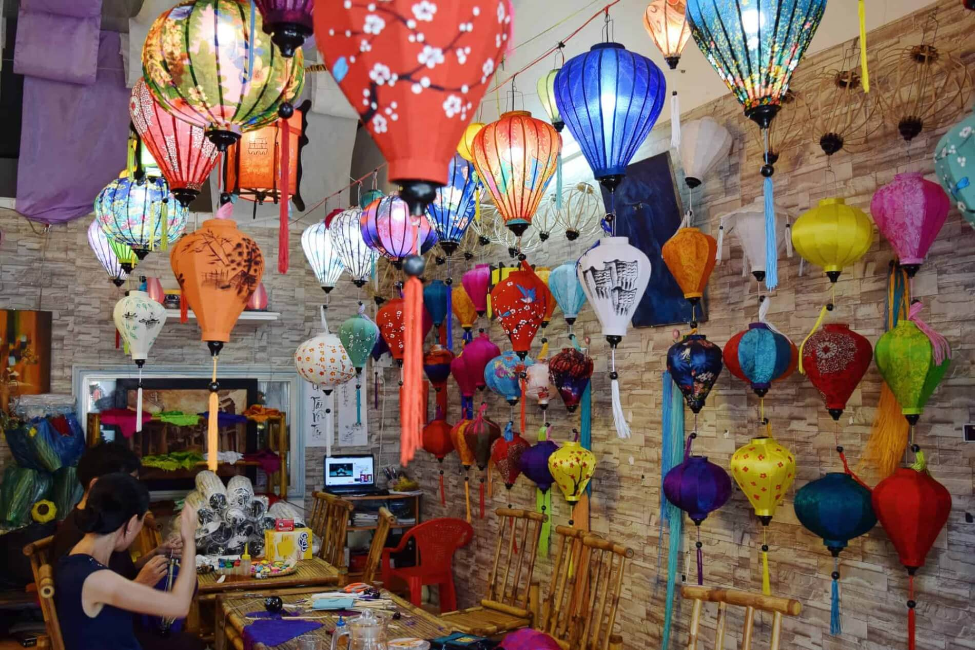 Hoi An Handicraft Tours - lantern making - lantern display