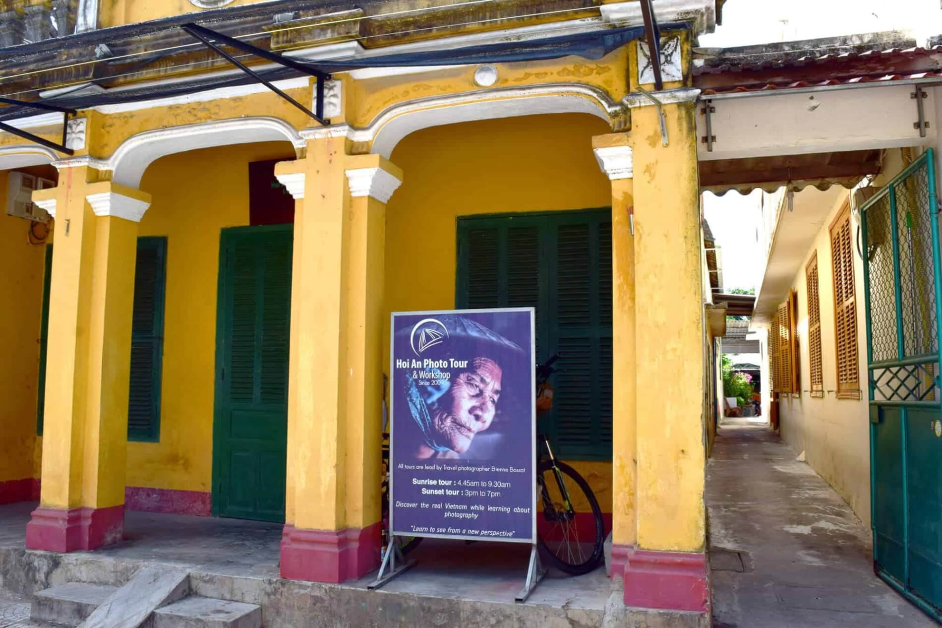Hoi An Photography Tour - the shop