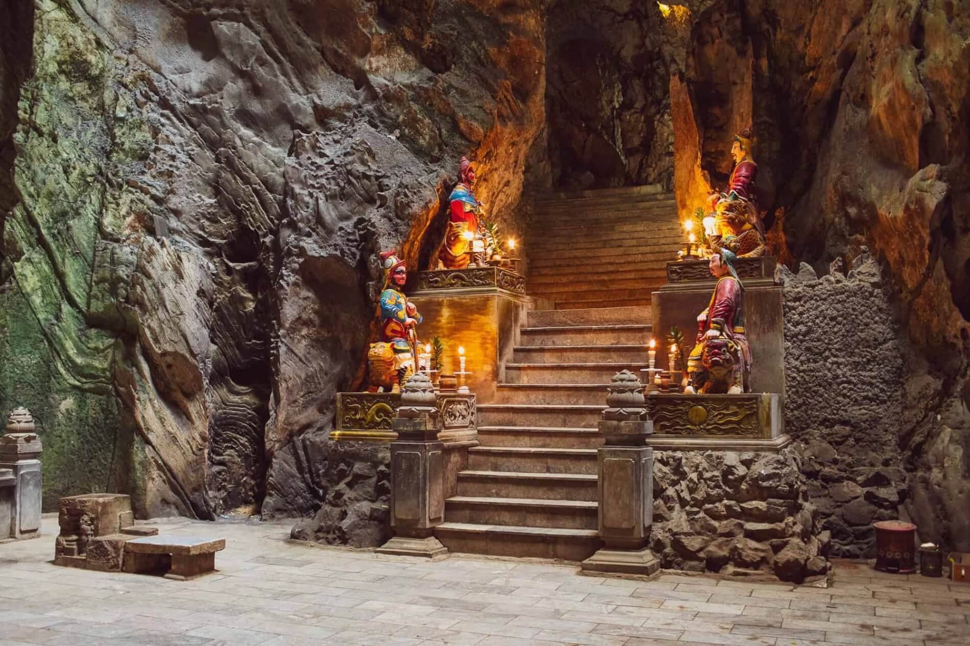 Marble Mountains - Huyen Khong Cave