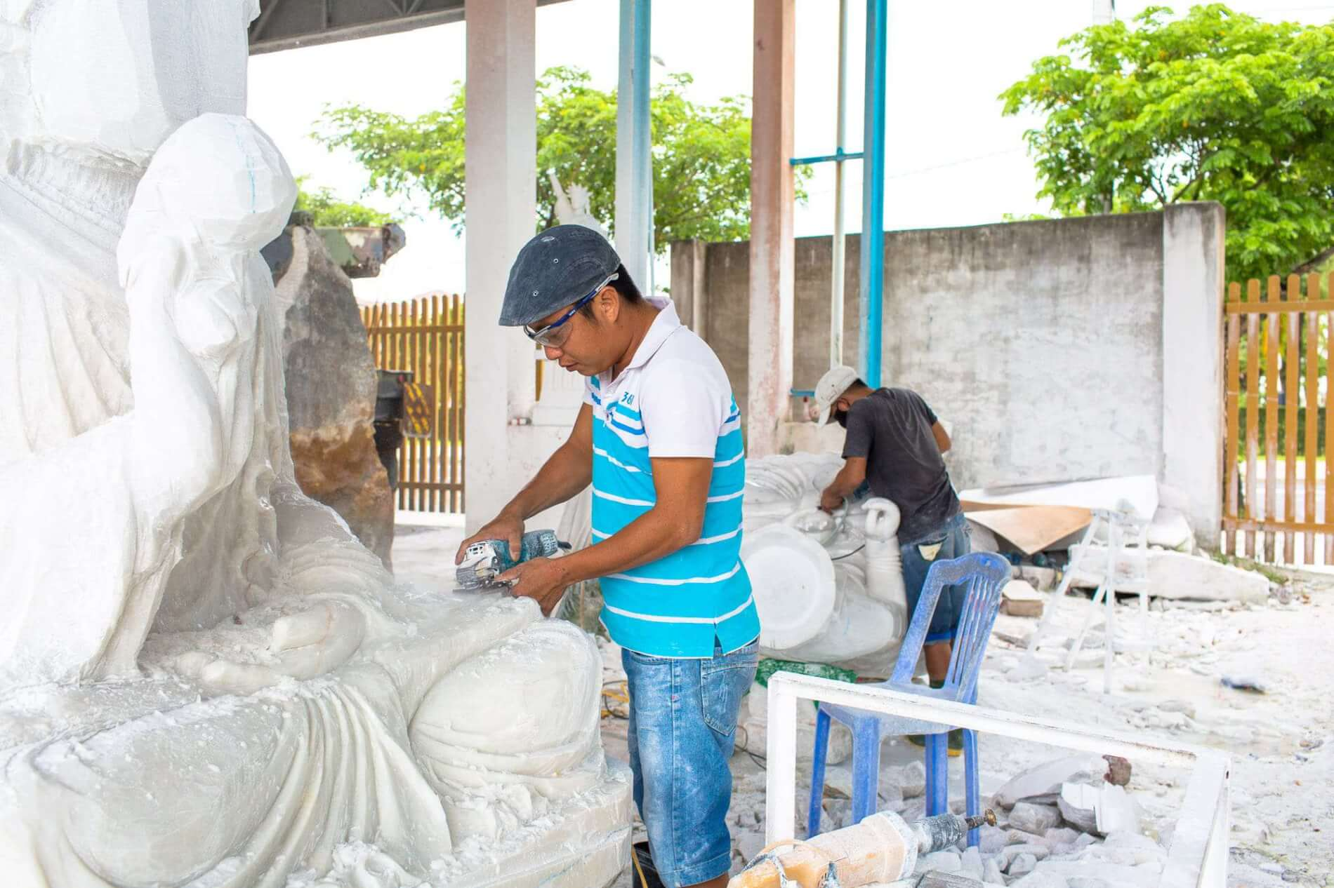 Marble Mountains sculptors