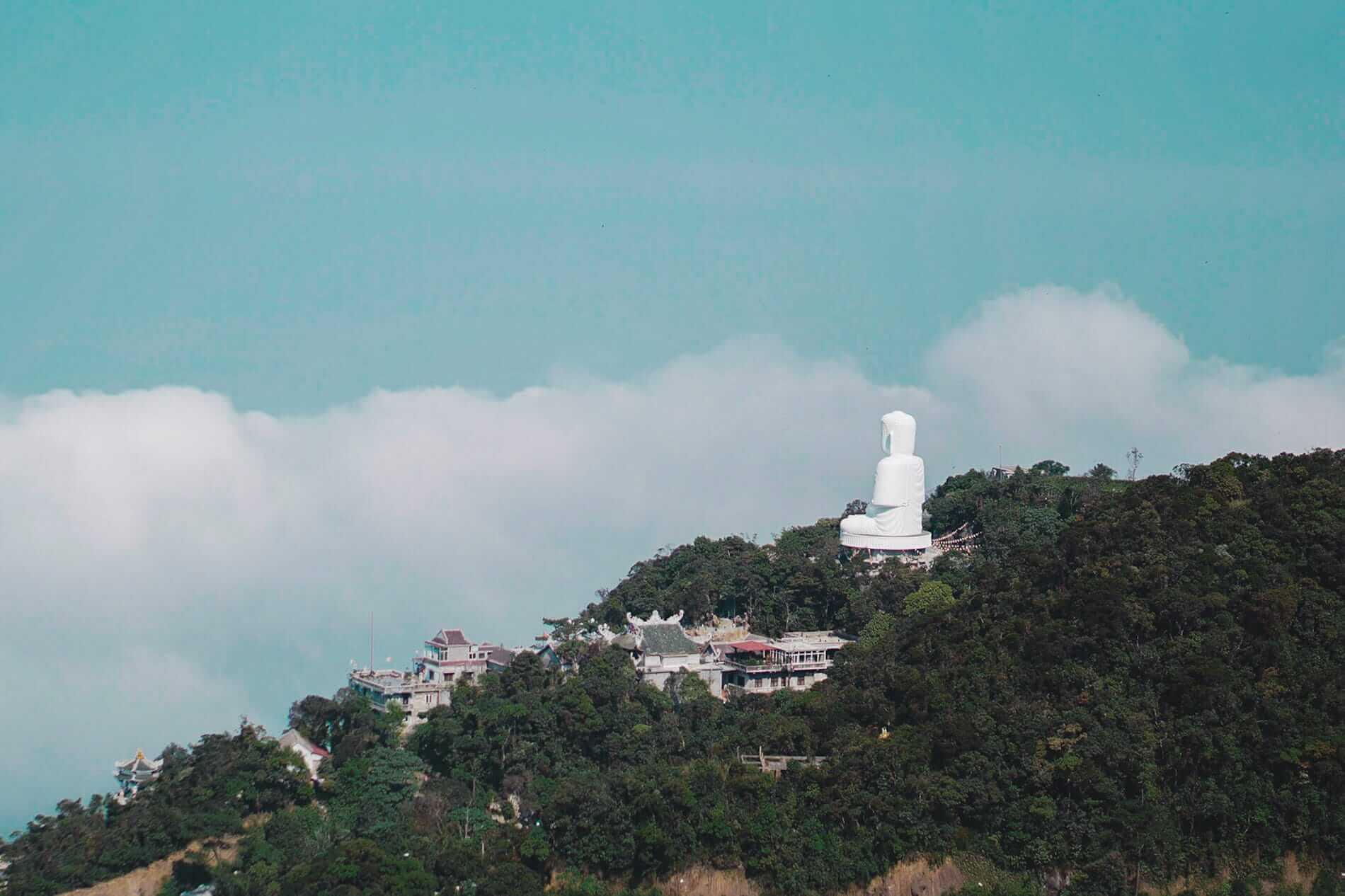 Ba Na Hills Buddha