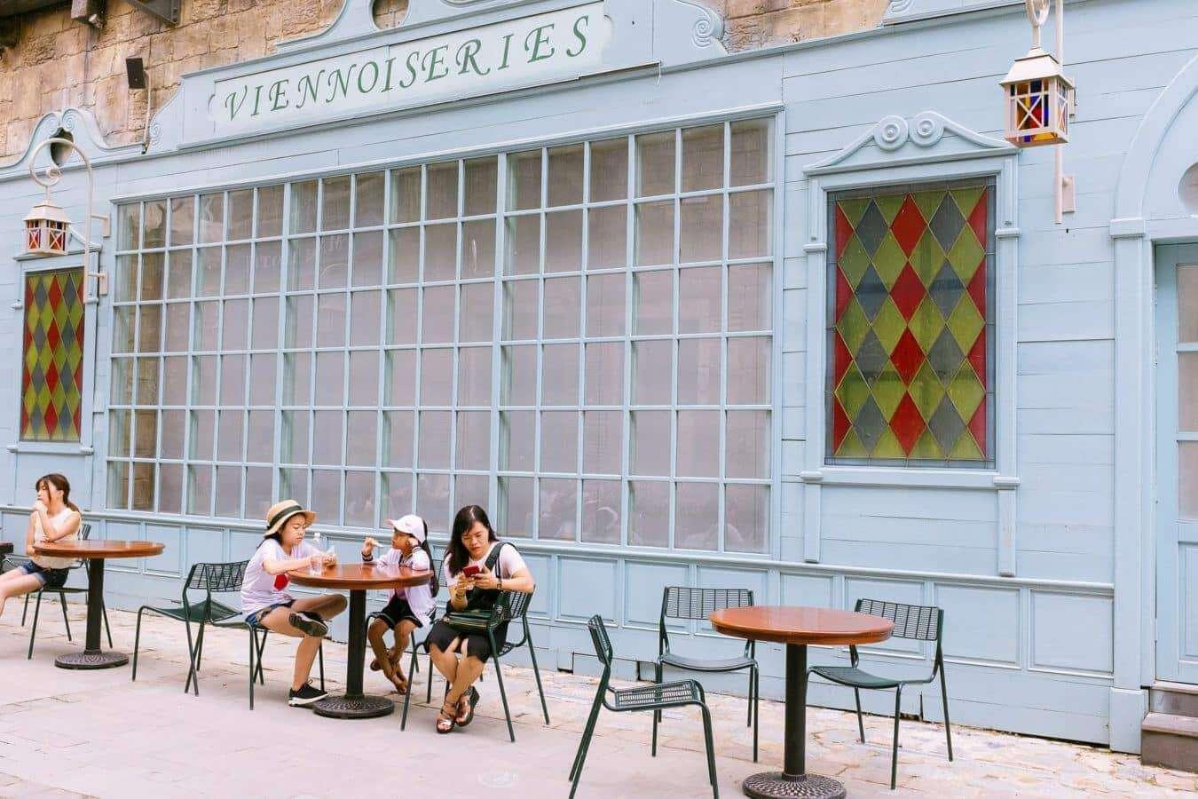 European-style cafes