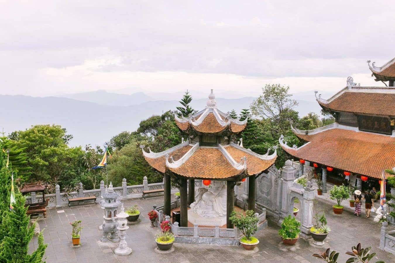 Linh Chua Linh Tu Temple in Ba Na Hills