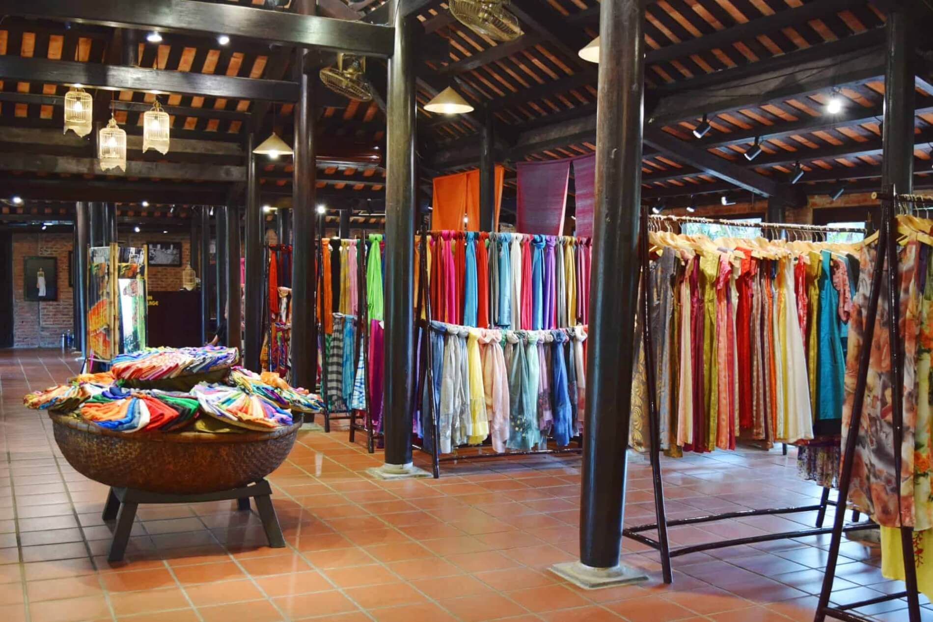 Hoi An Silk Village - showroom
