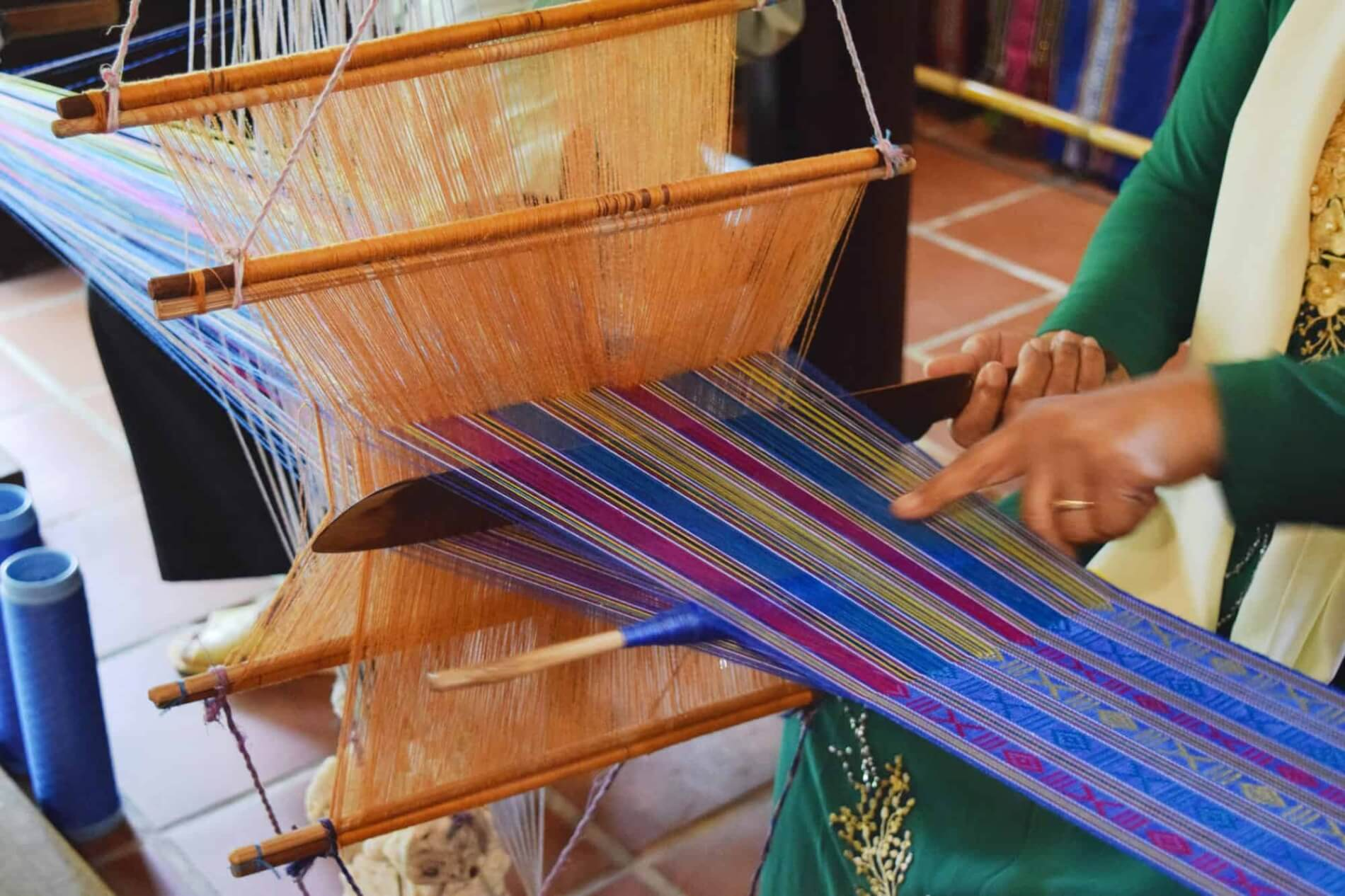 Hoi An Silk Village - silk weaving