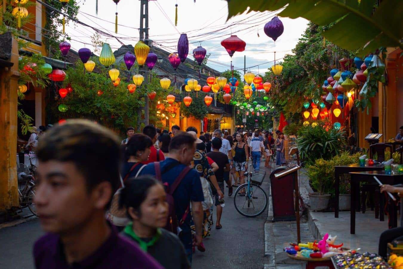 Full moon lantern festival - busy Hoi An street