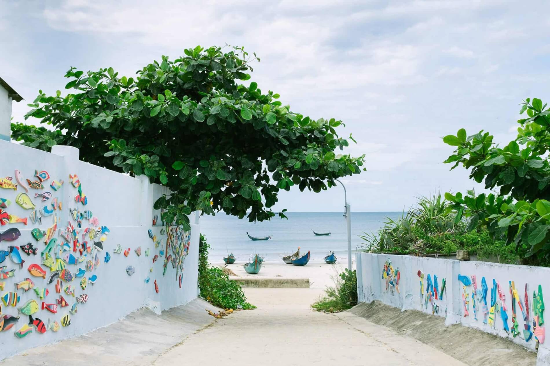 Tam Thanh Mural Village - view of the beach