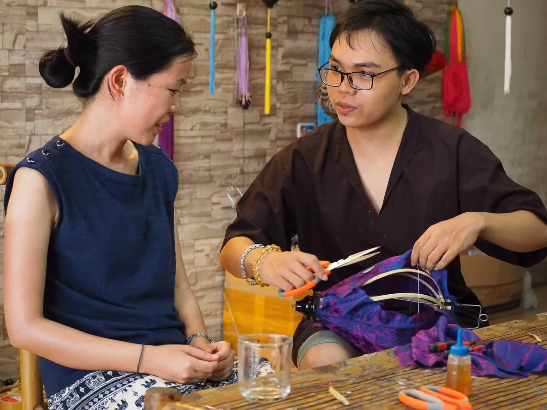 Hoi An Handicraft Tours: lantern shopping