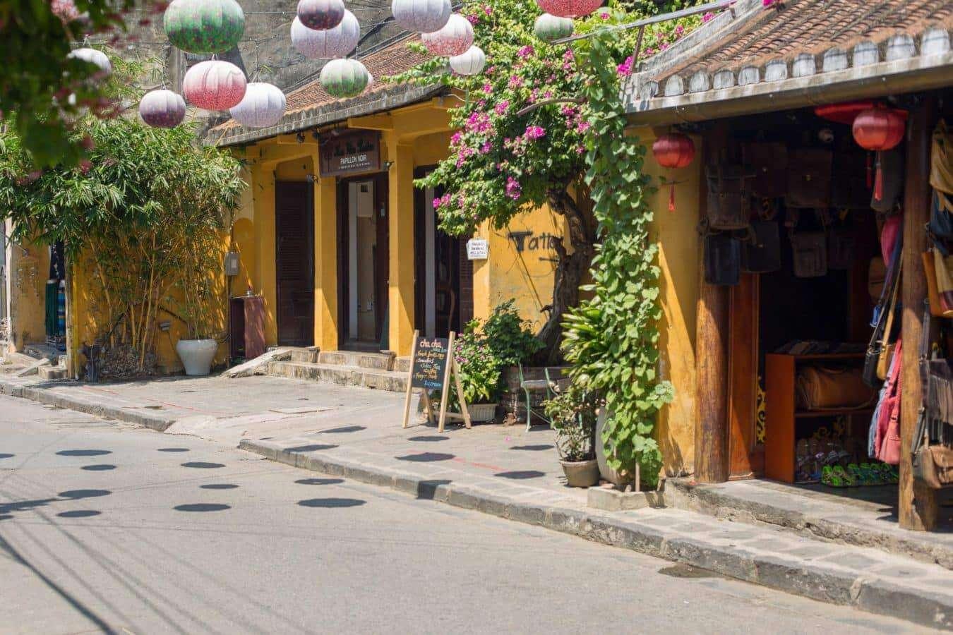 Picturesque streets - Da Nang to Hoi An
