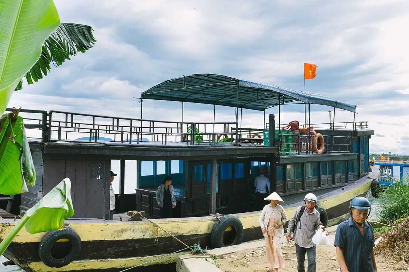 Public ferry, Cham Islands