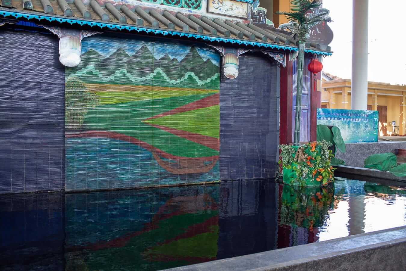 traditional backdrop: Lune show Hoi An
