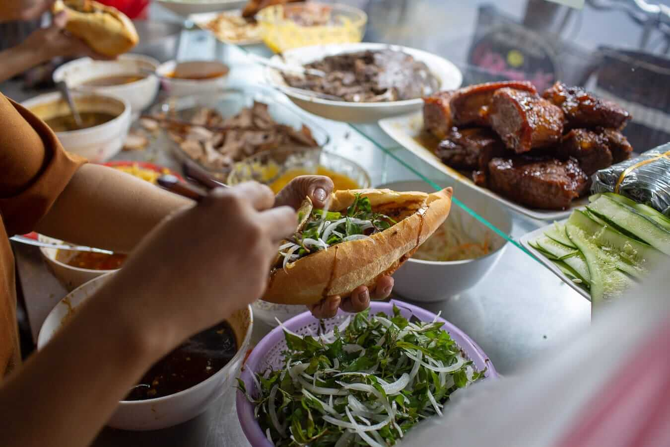 A First-Timer's Guide to Vietnamese Street Food - Hidden Hoian