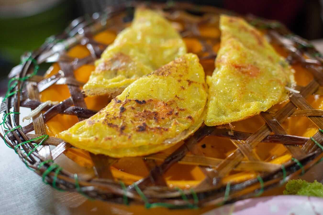 Banh Xeo: Vietnamese food