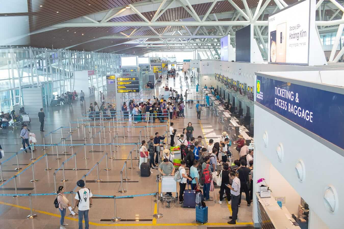 Da Nang Airport interior