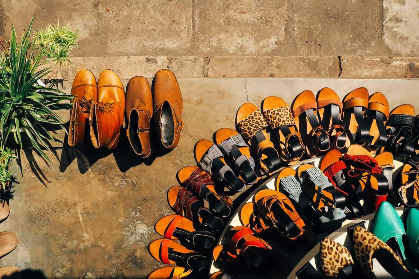 Extra - shoe shop: Hoi An souvenirs