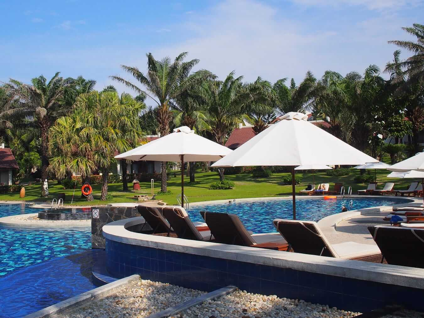 Palm Garden Resort: Cua Dai Beach