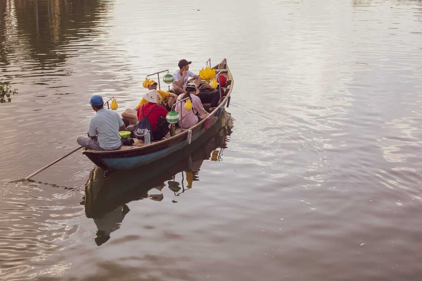 Lantern Boat Ride: Activities and Tours In Hoi An