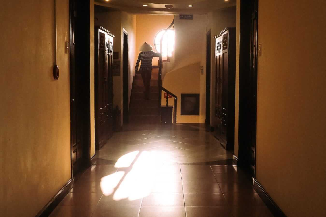 Tribe Ede Hostel corridor: Hoi An Budget Accommodation
