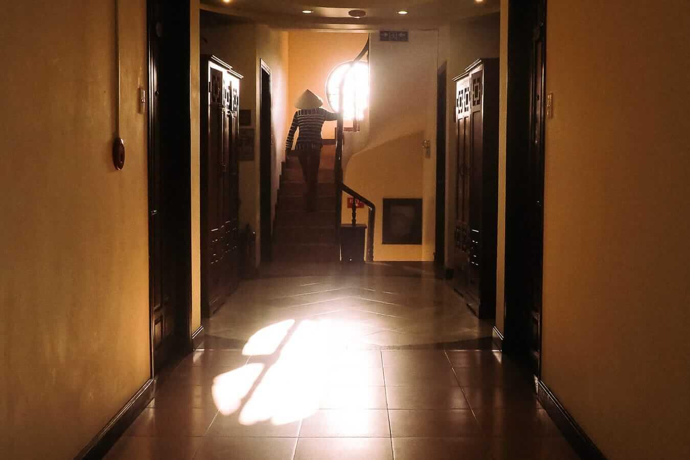 Tribe Ede Hostel corridor: Hoi An Budget Accommodation