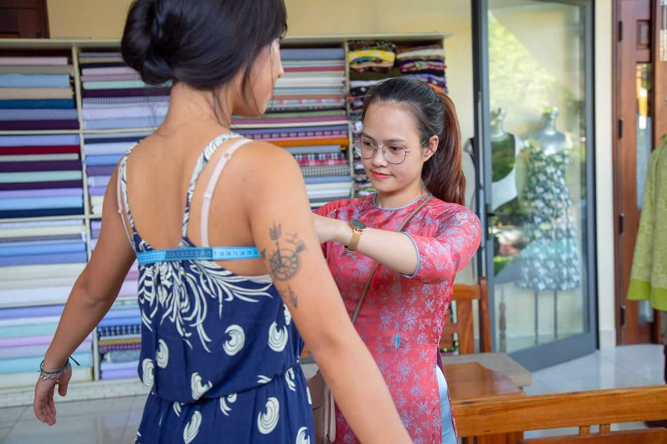 The measuring and fitting process in Hoi An