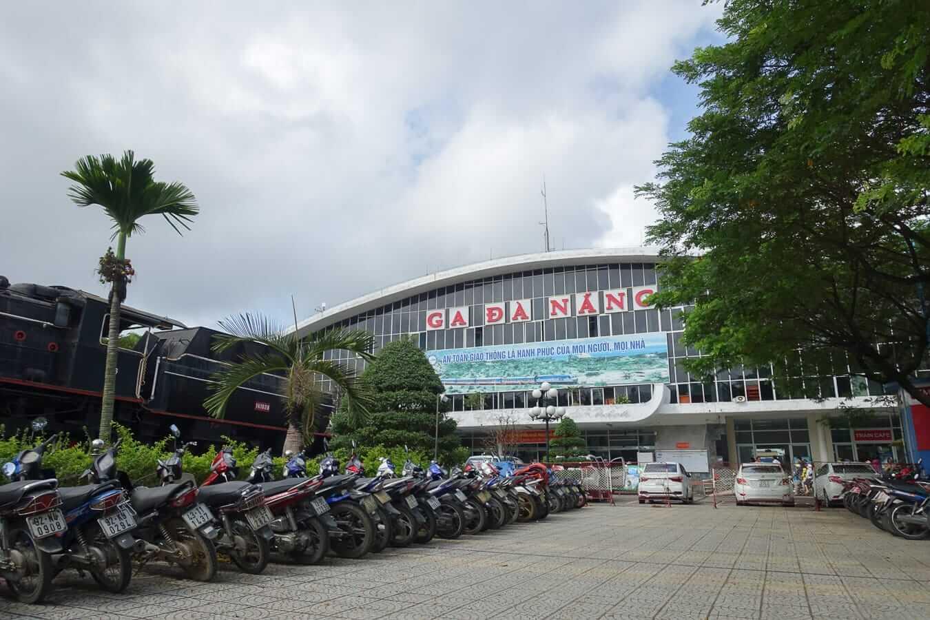 Da Nang train station parking lot