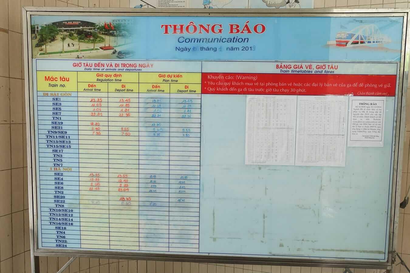 Da Nang Train Station schedule board
