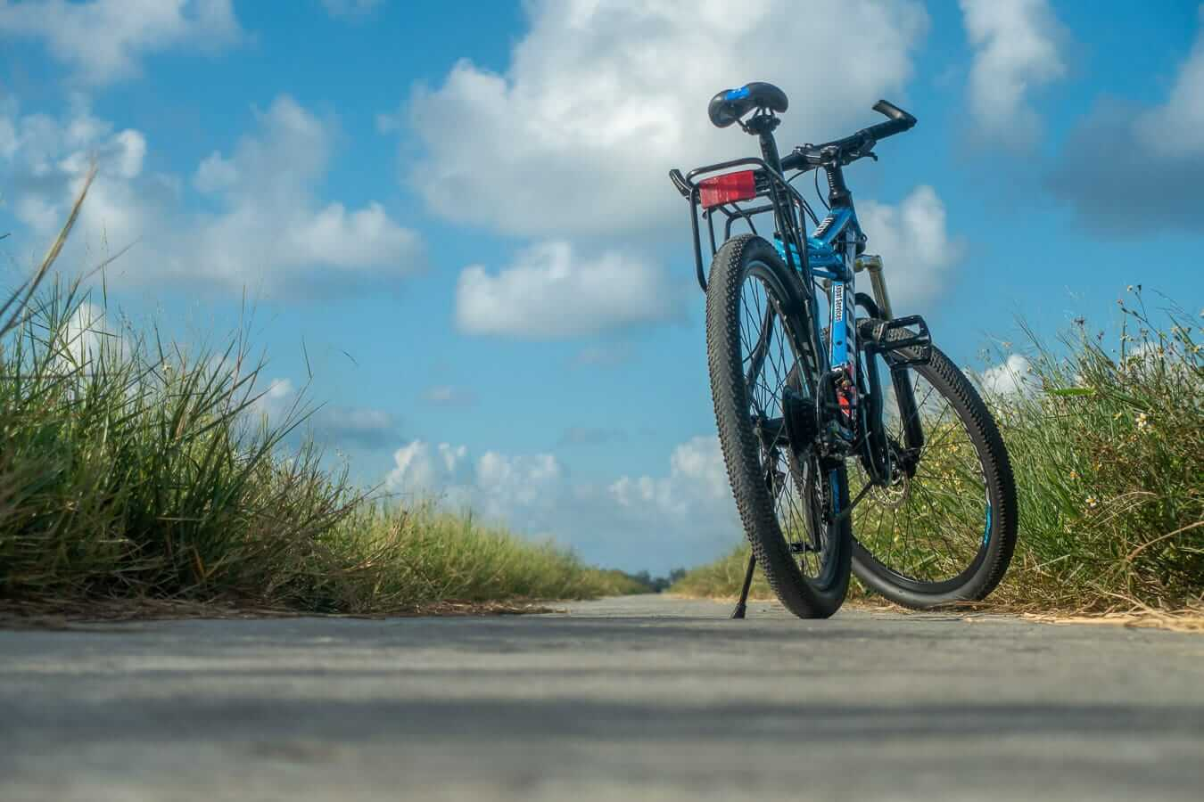Geared bike: Hoi An cycling