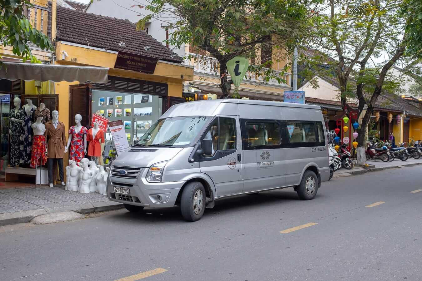 Hoi An Express mini bus: Hoi An bus station