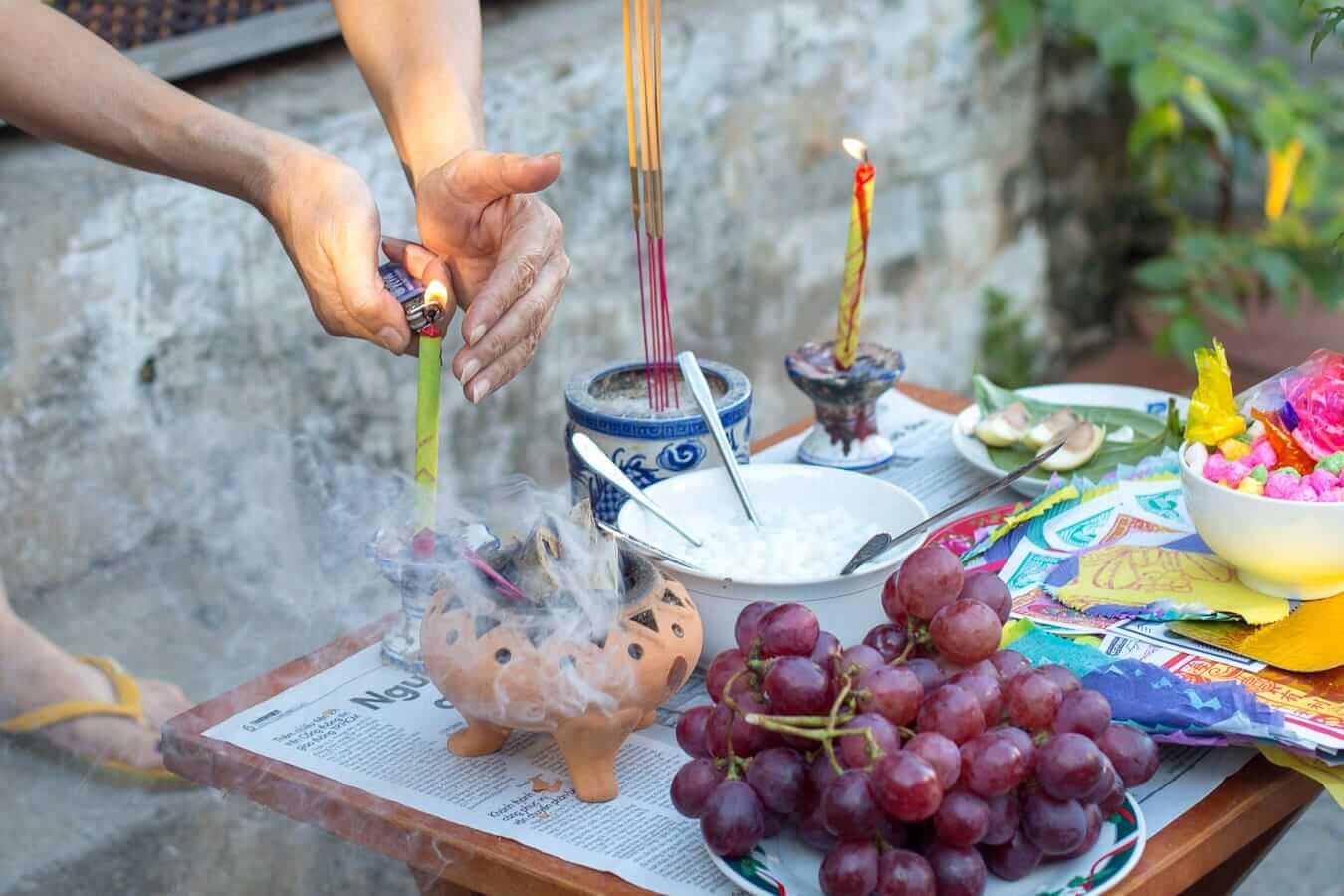 Vietnamese offerings table