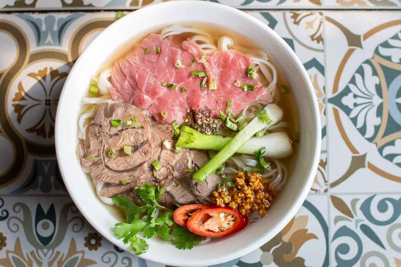 10 Vietnamese dishes you must try when you travel Hoi An Vietnam - Pho