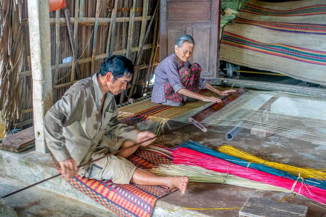 Cam Kim weavers: A stop during Hoi An Cycling Tours