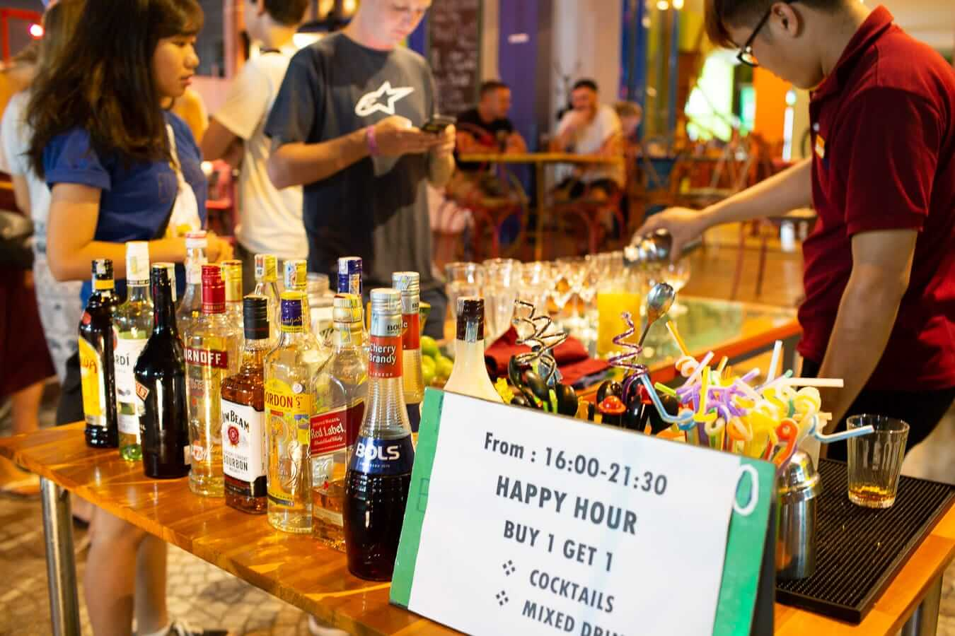 Happy hour at bars in Hoi An