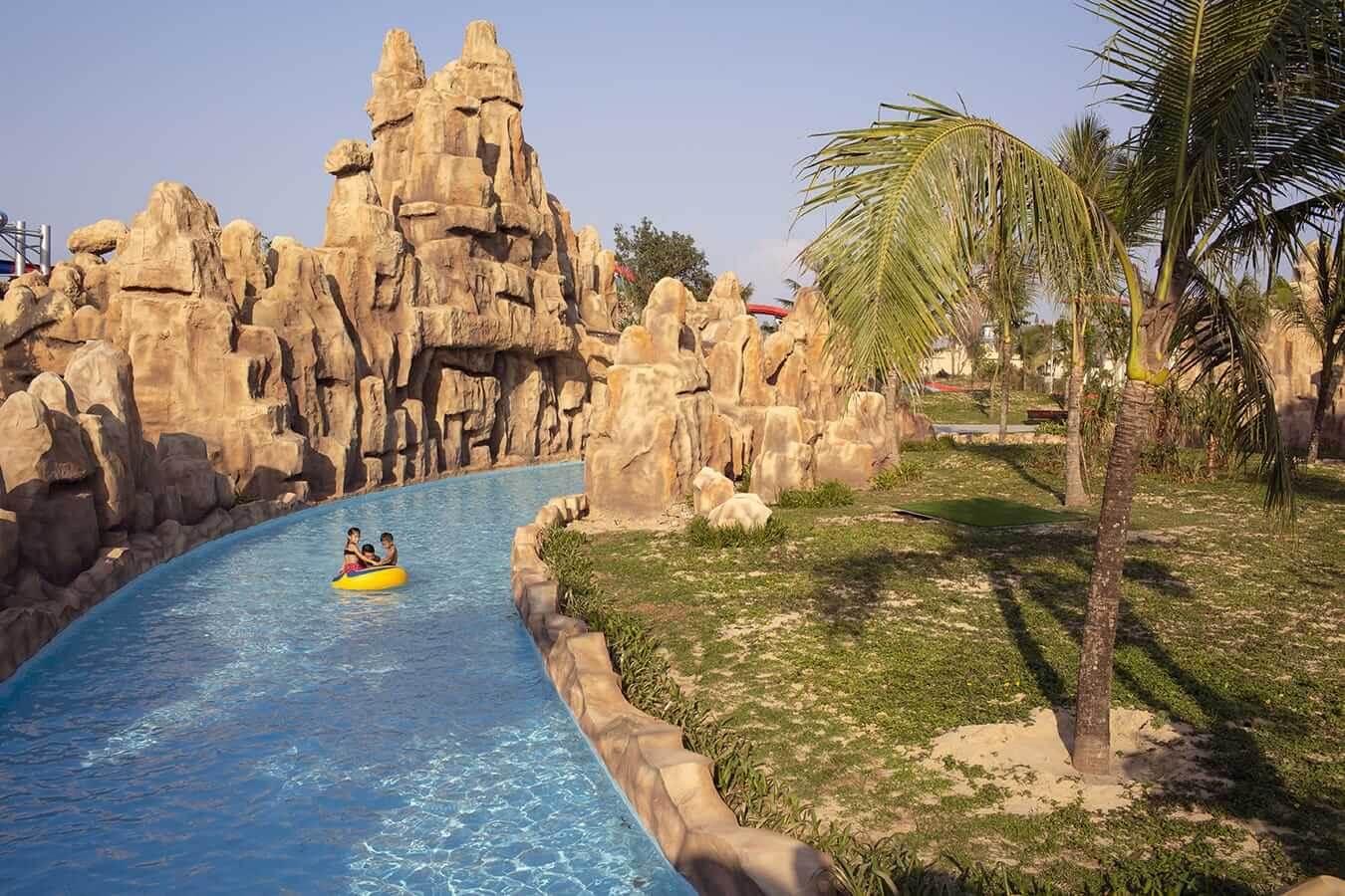 Vinpearl Waterpark - inflatable ring: Pools in Hoi An