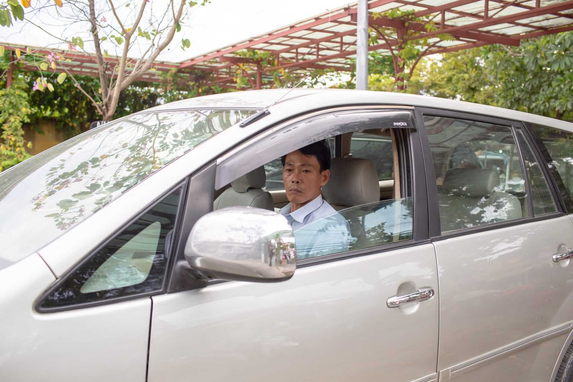 A private driver arrives in Hoi An - Transfer Services
