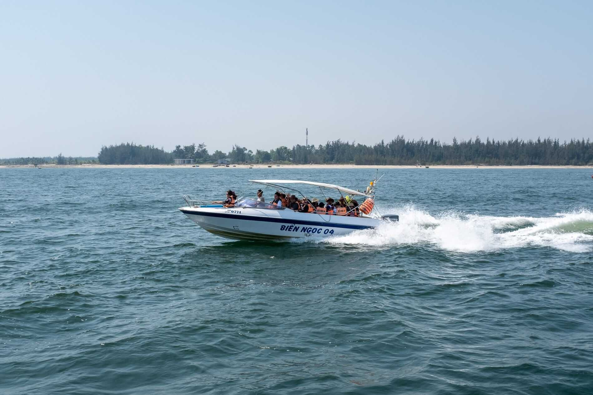Day-trippers on a speedboat - Cham Islands accommodation