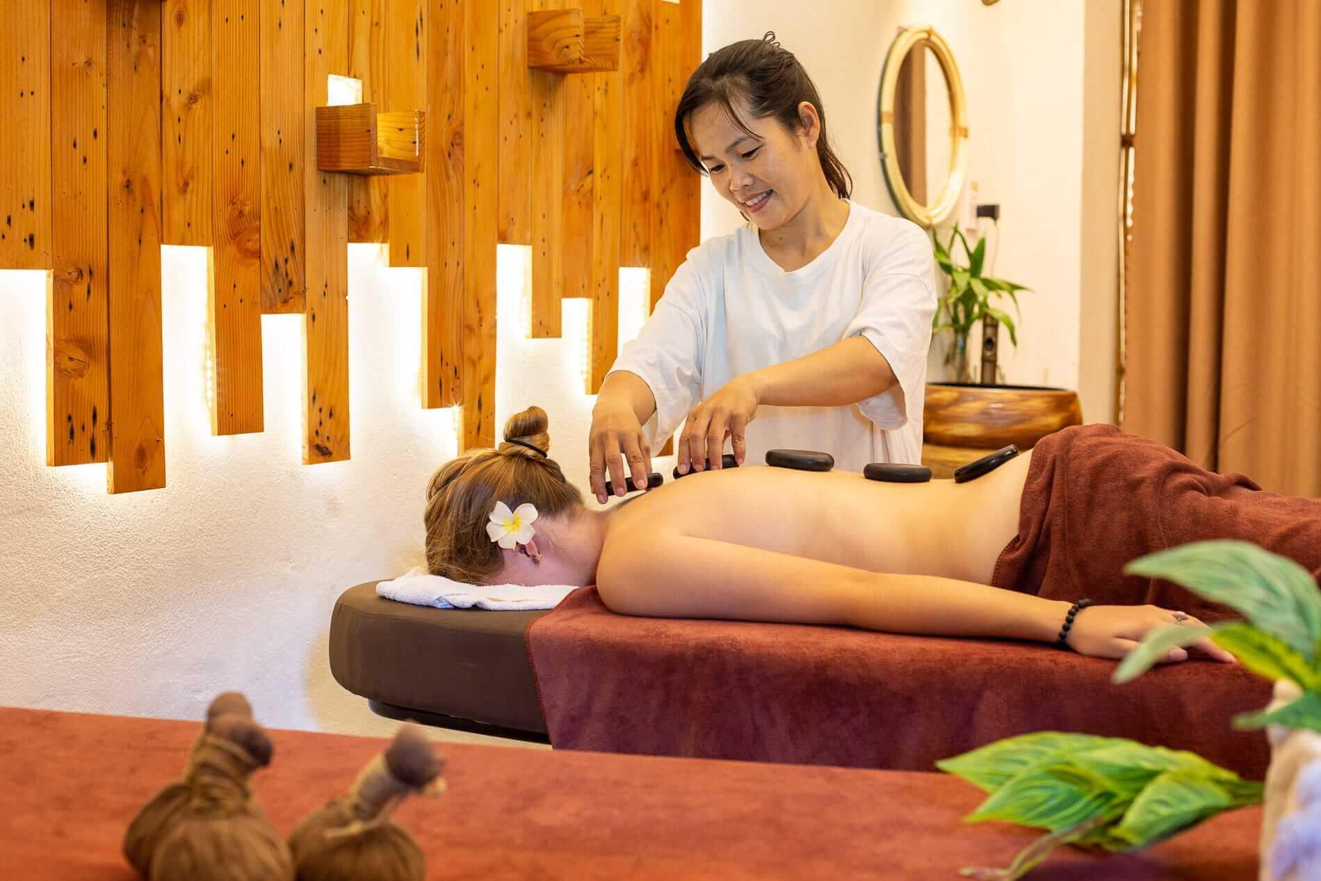 Hoi An hot stone massage