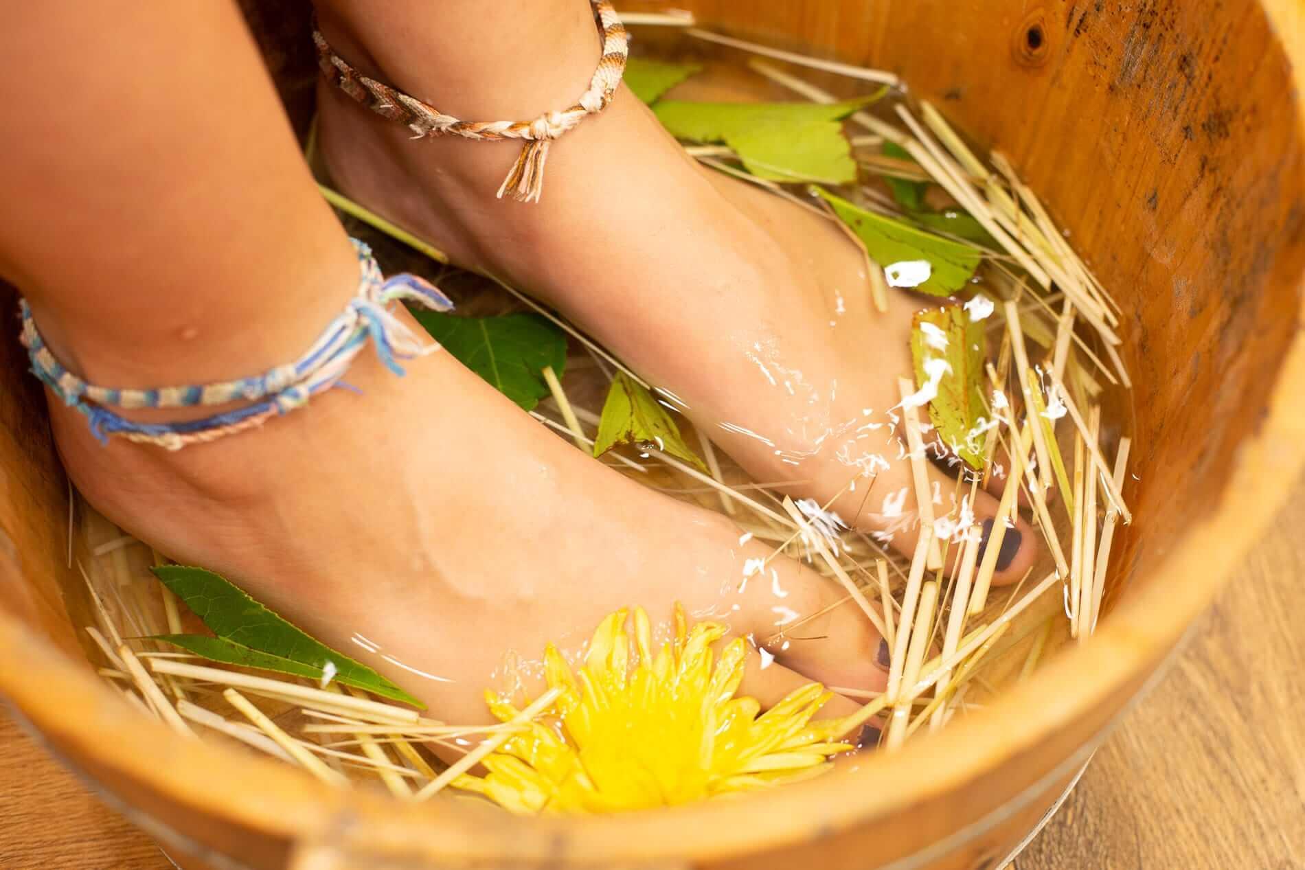 Lemongrass foot bath