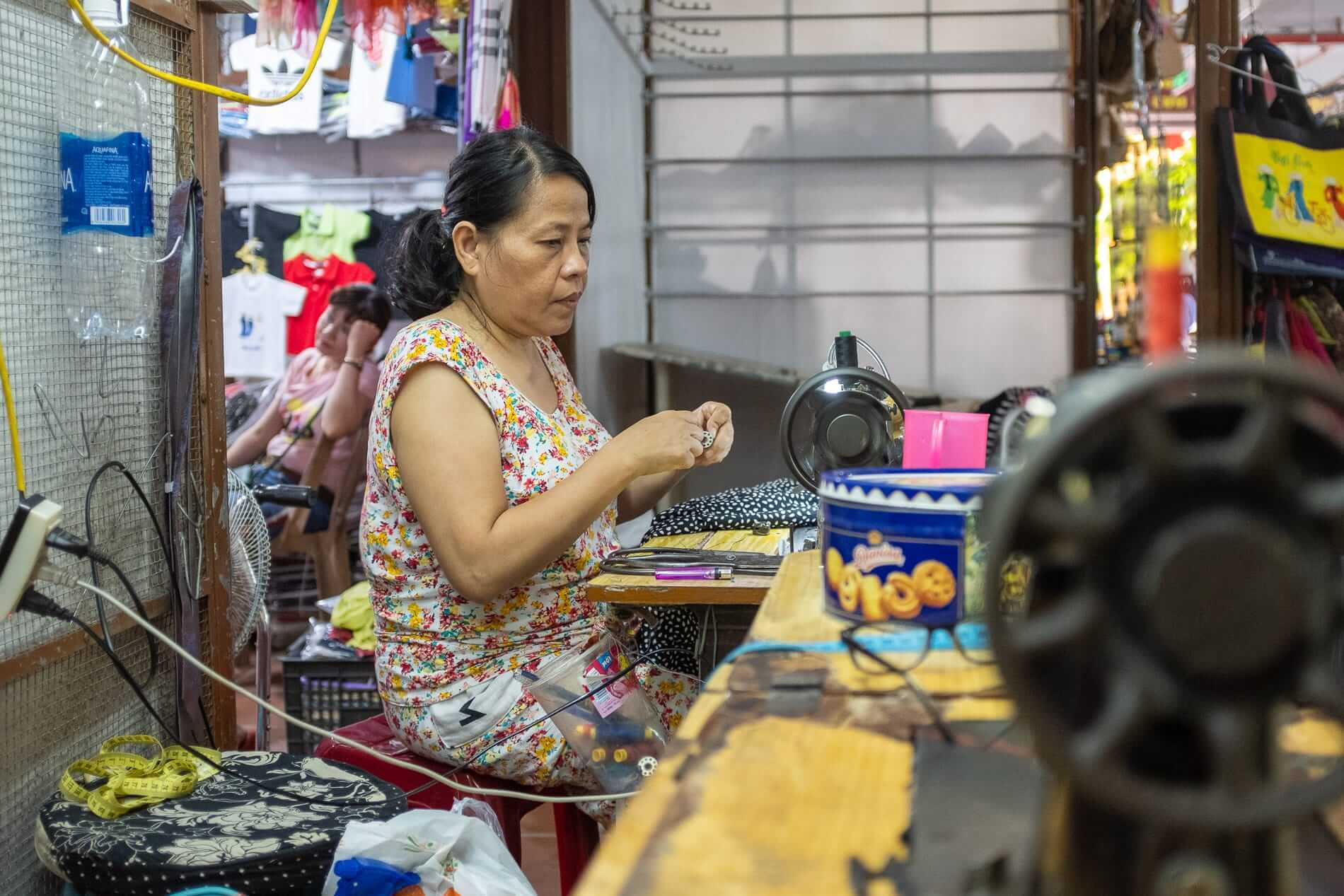 Seamstress in action - Fabric Market