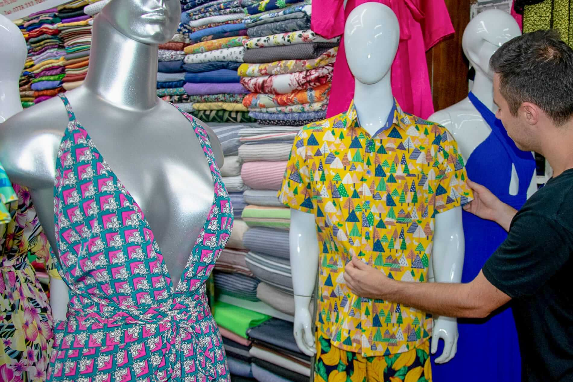 wide fabric selection market - Tailoring Hoi An