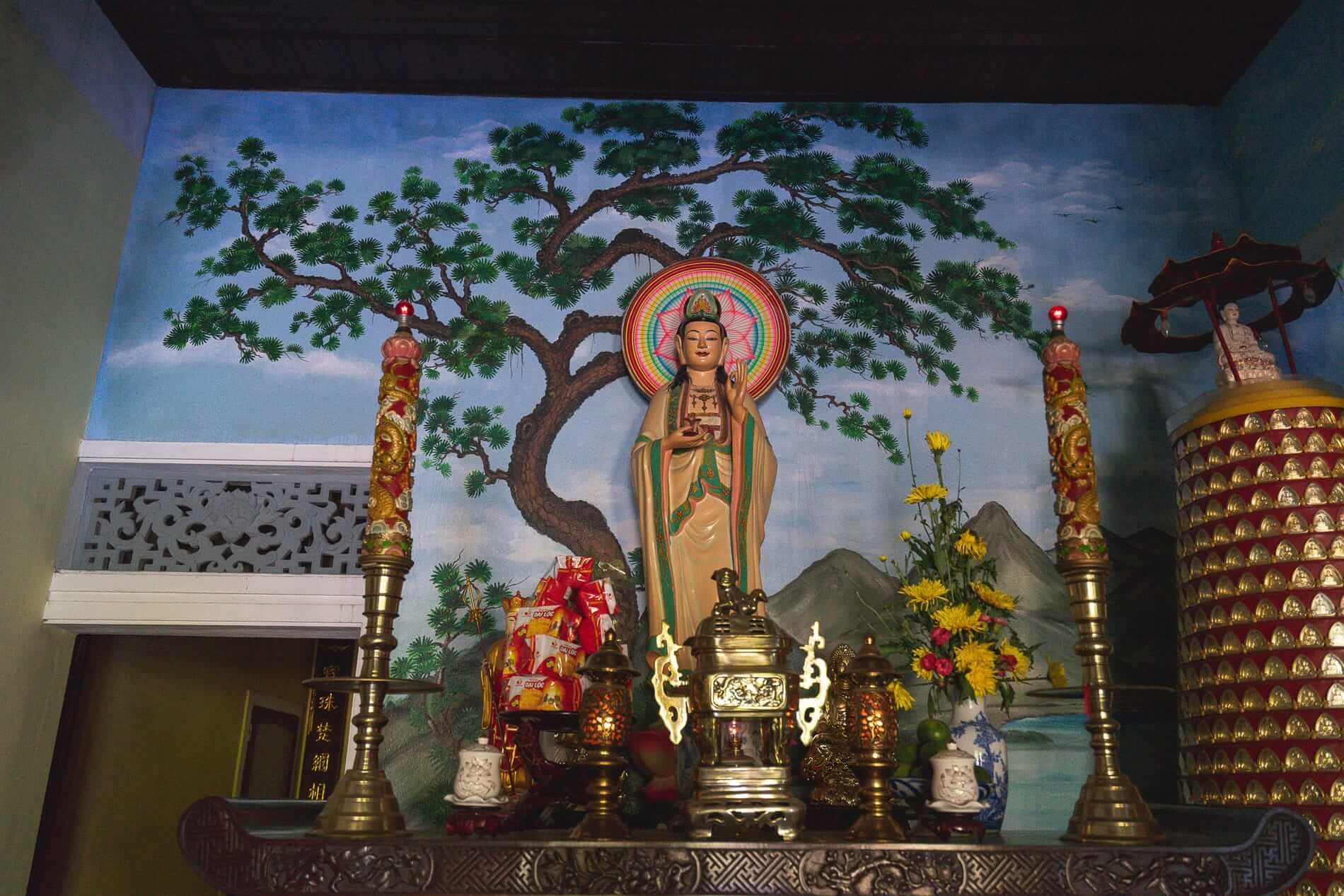 A small side altar - Hoi An Temples and Pagodas
