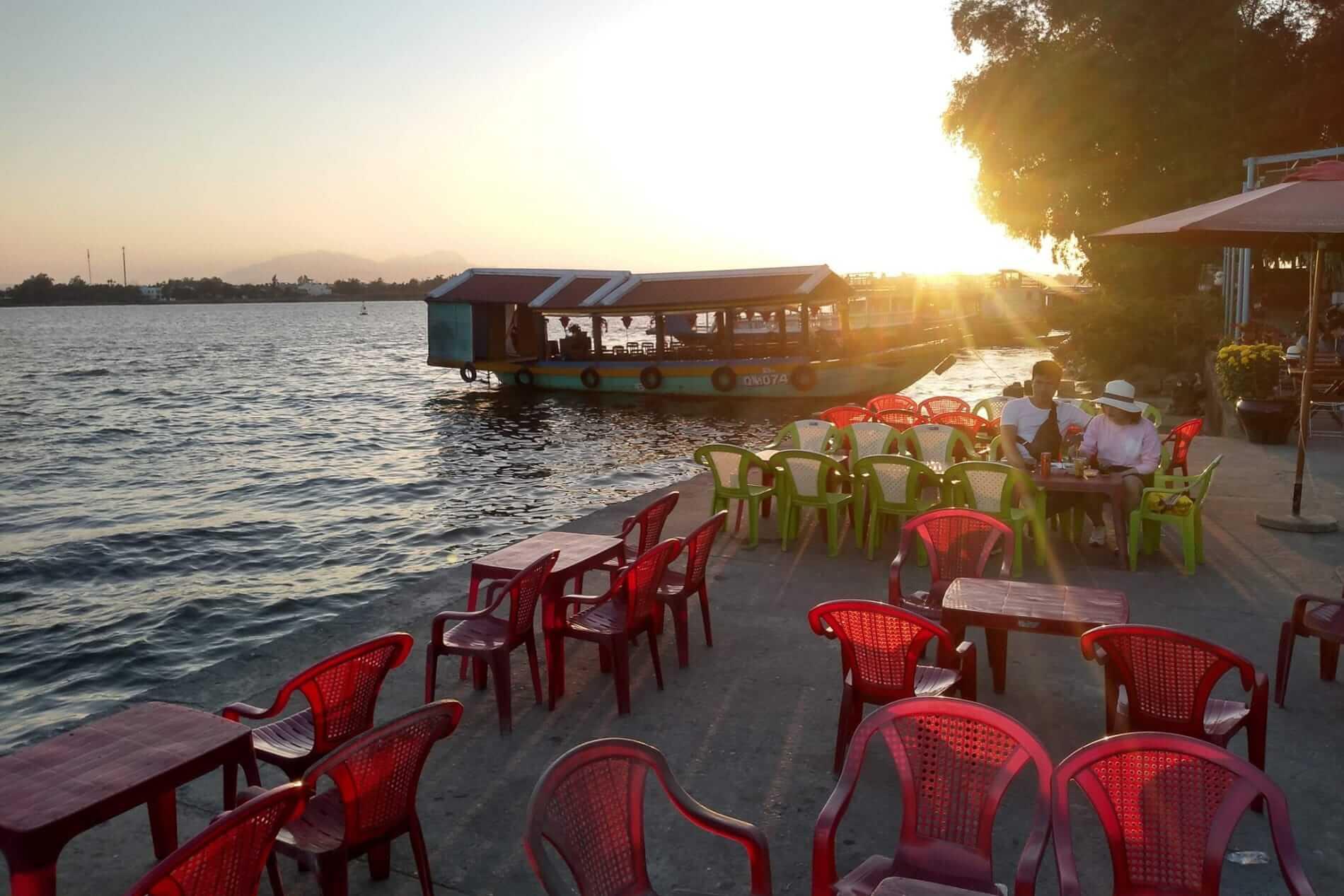 Co Hoa - Sunsets in Hoi An