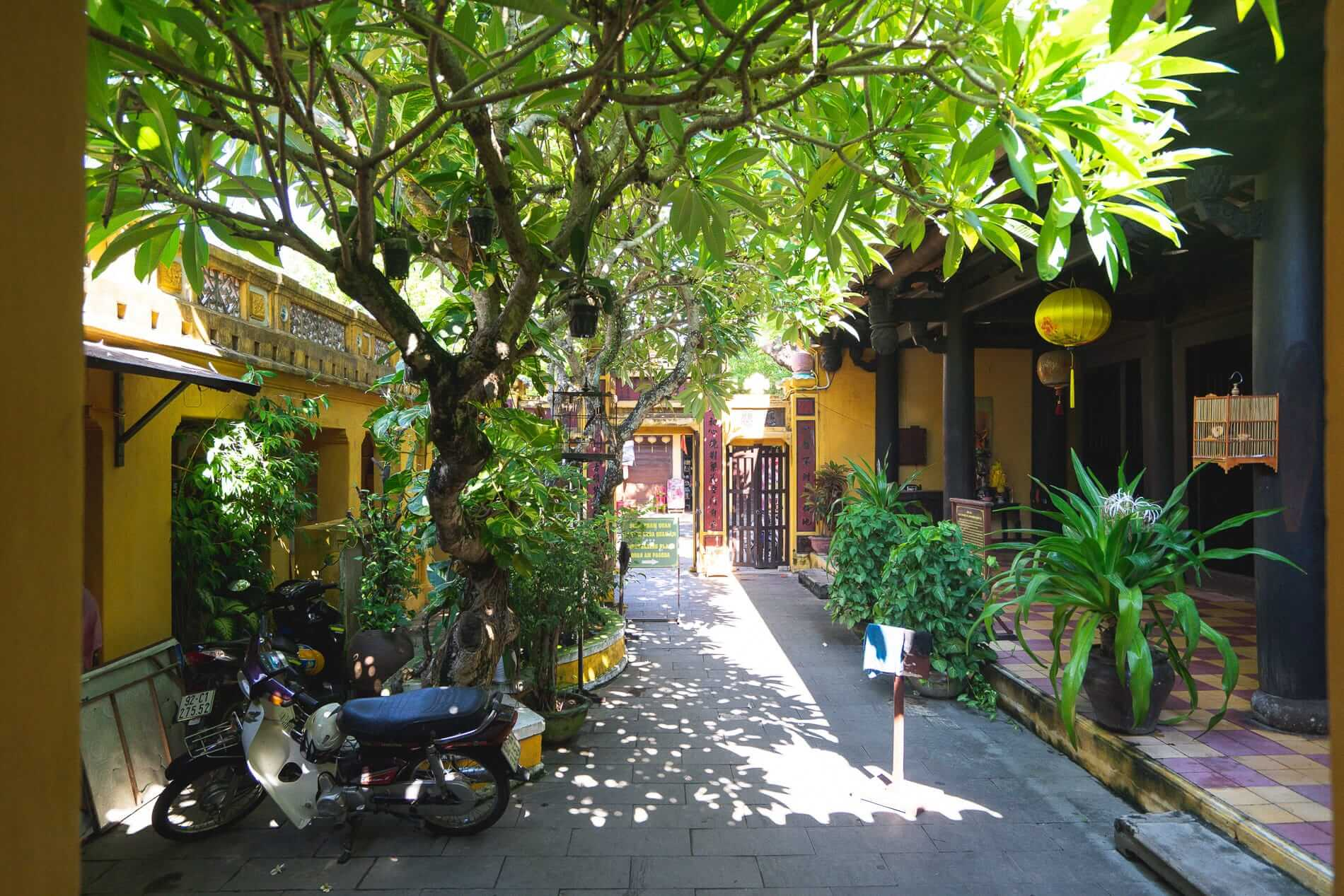 Courtyard of the Quan Am Pagoda - Hoi An Temples and Pagodas