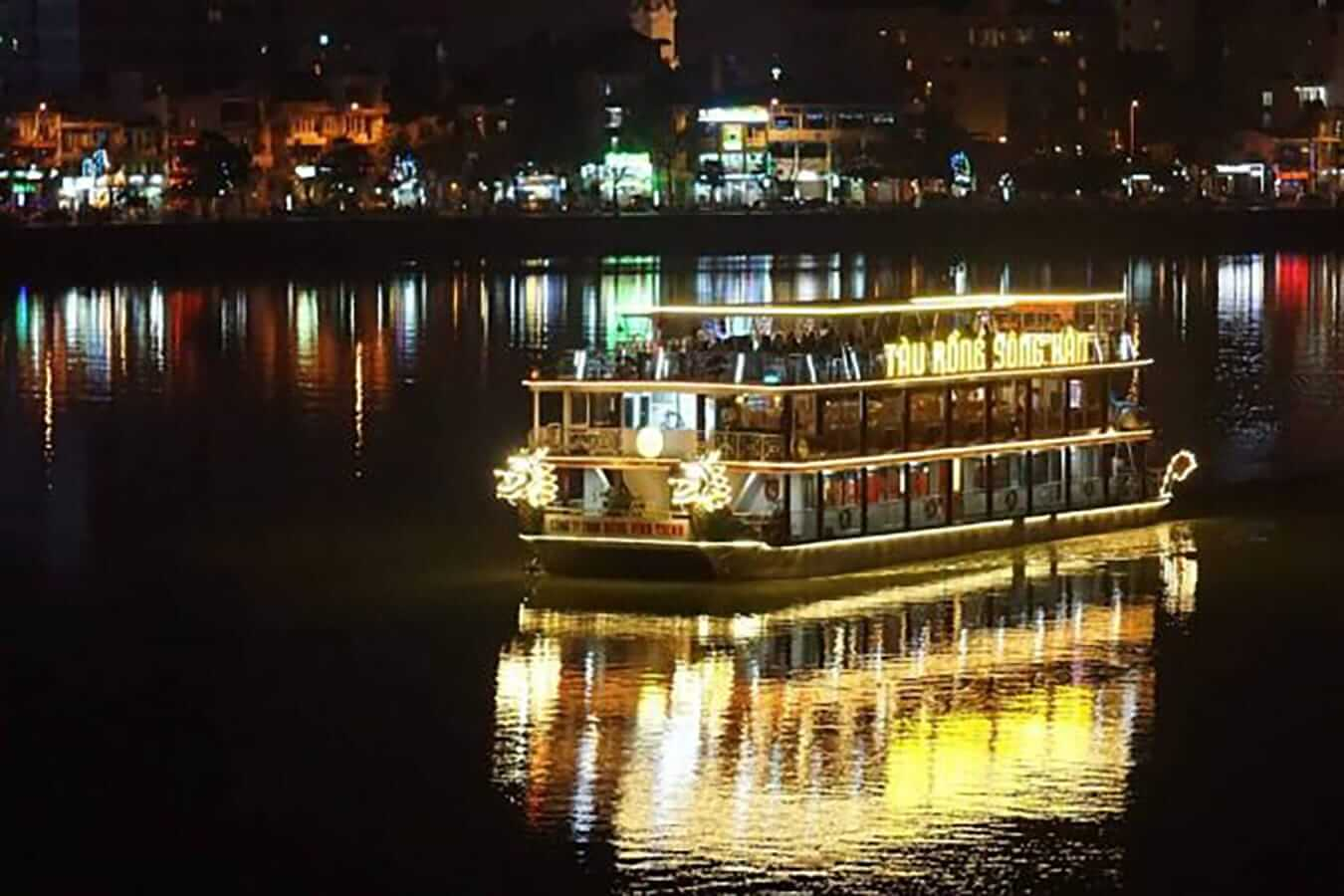 Da Nang's neon riverboats