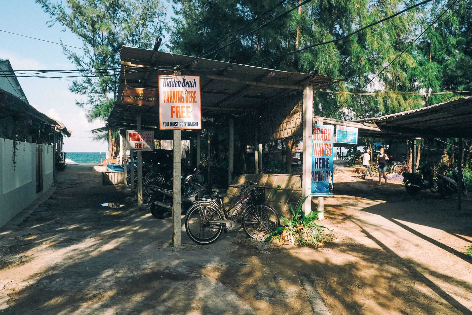 Free parking at Hidden Beach - Hidden Beach