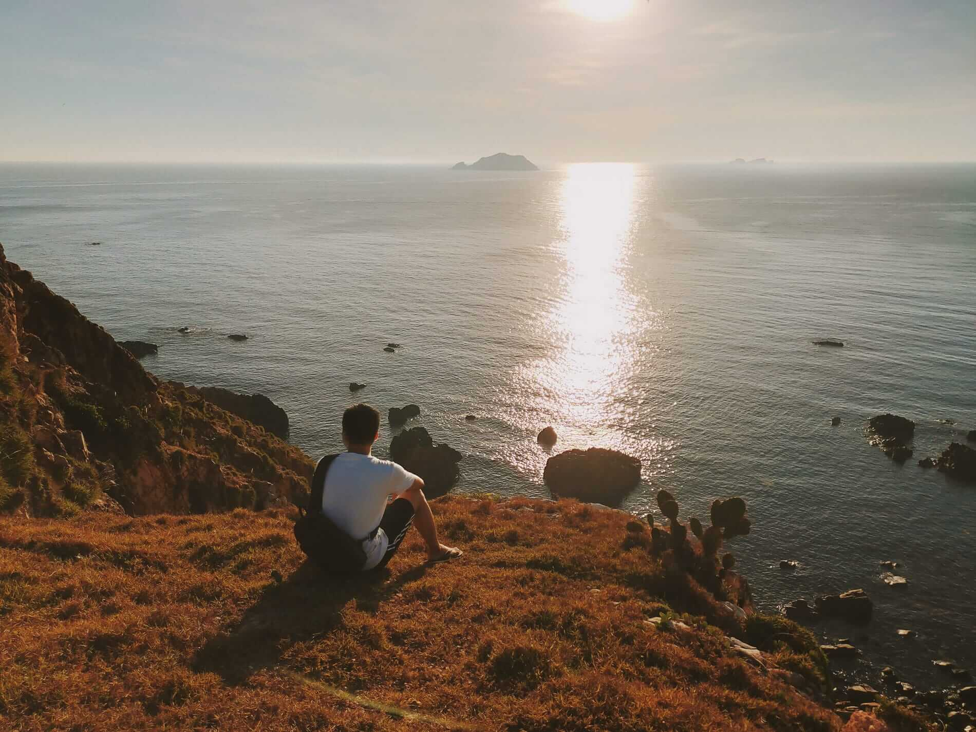 Hiking Quy Nhon's cliffs - Hoi An to Quy Nhon