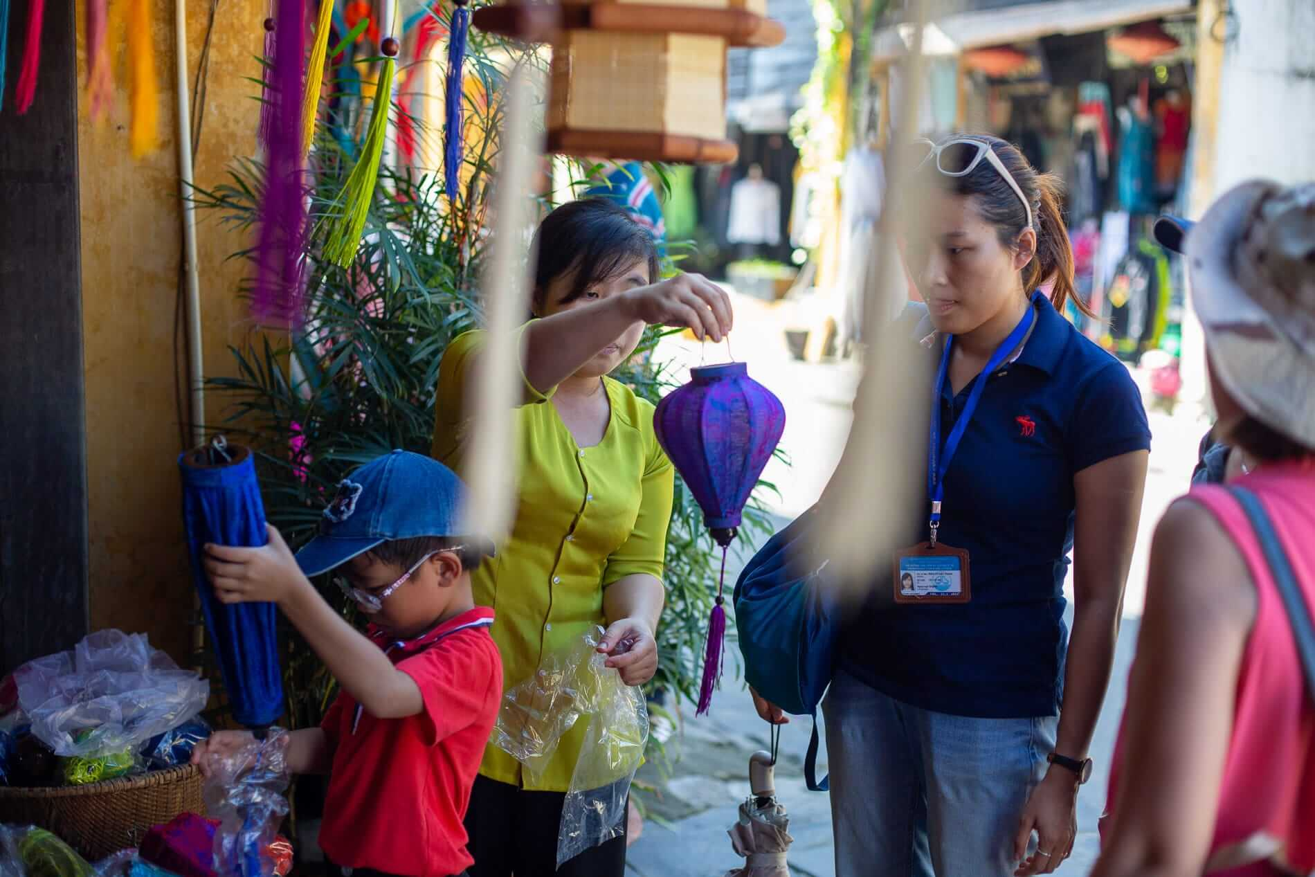 Lantern Shopping - Hoi An Shopping Guide