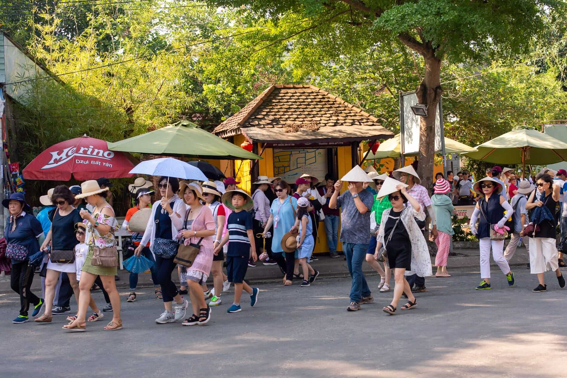 Large group of visitors at Thanh Ha - Pottery Village