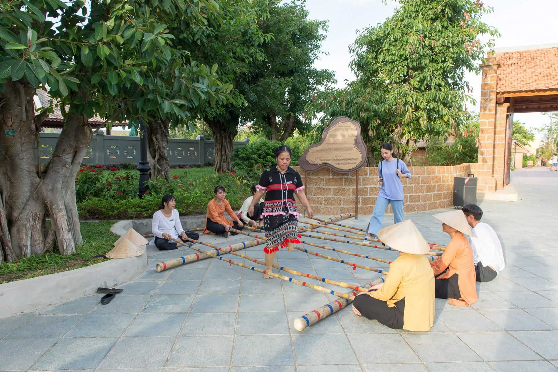 Traditional Vietnamese games