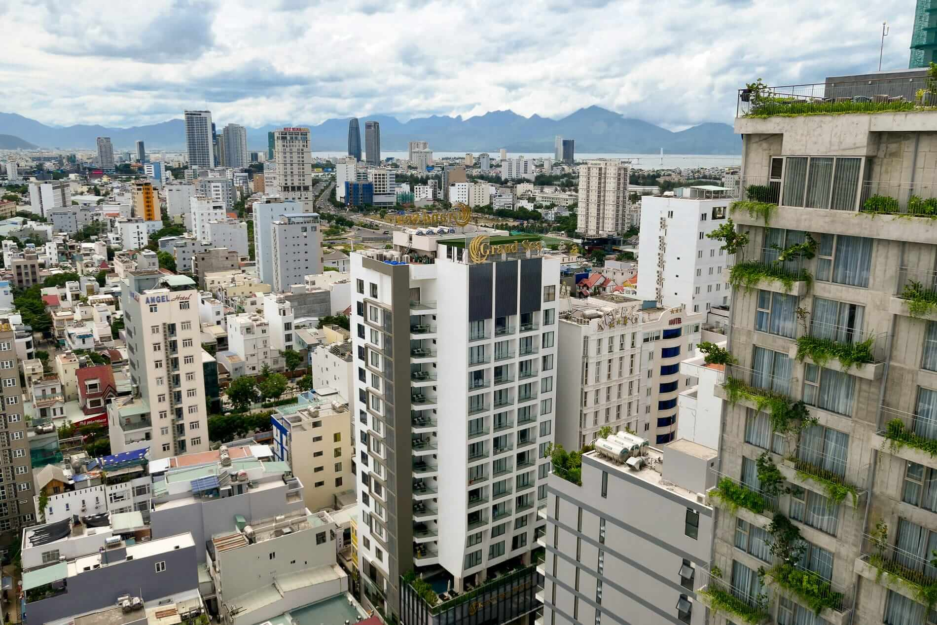 cityscape of Da Nang - where to stay in Da Nang